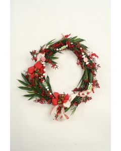 "34"" Green Vine Wreath with Red Berries and Candy Garland"